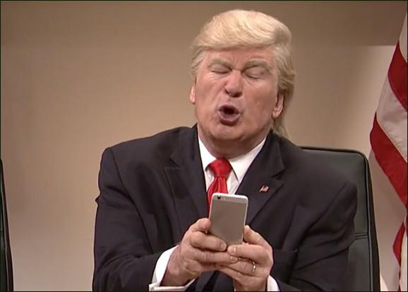 Donald Trump (Alec Baldwin) tweeting lampoon