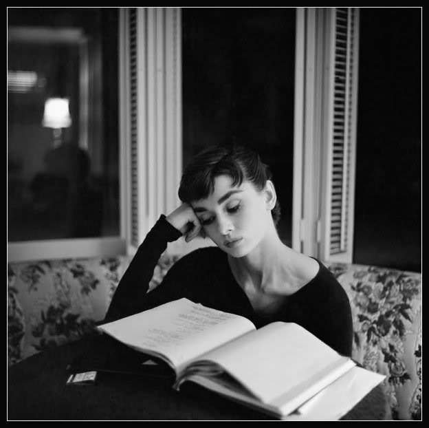 Picture of Audrey Hepburn reading