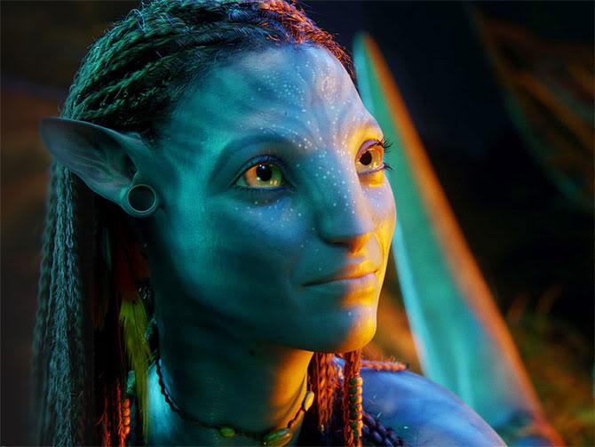 Zoe Saldana playing Neytiri in Avatar