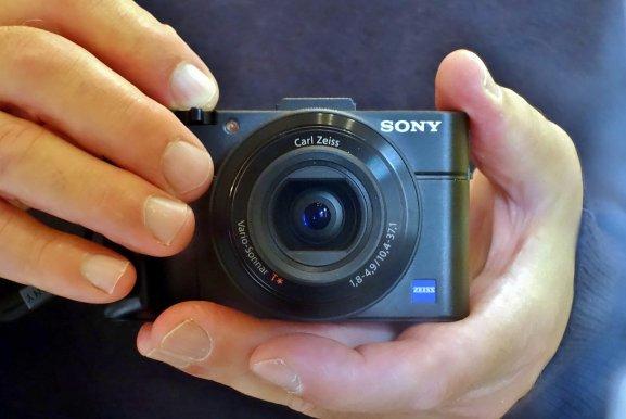 Sony Cyber-Shot DSC-RX100 II front view