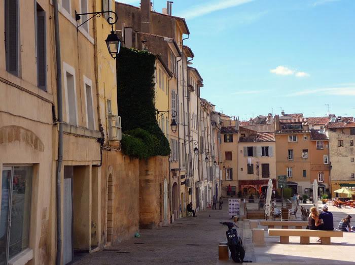 Aix-en-Provence in October sun
