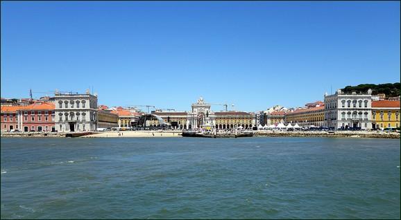Lisbon Pra�a do Com�rcio (Commerce Square)